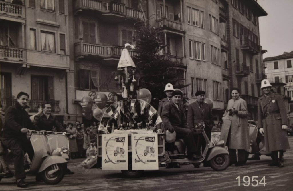 domenico roccatagliata vespa foto storiche 1954